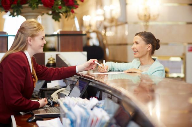 Certificado de Agente de recepção e reservas em meios de hospedagem por competência: veja como obter