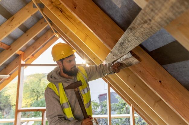carpinteiro de estrutura de telhados