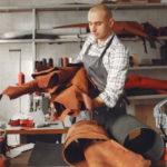 confeccionador de bolsas em couro e material sintético